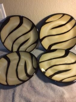"PIER 1  ""ZEBRA""  DINNER PLATES----FREE SHIP--NEW"