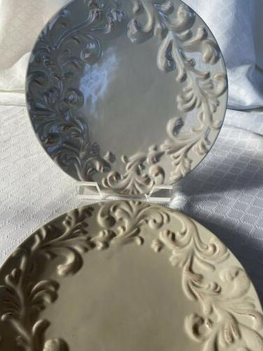 "GG Set of 2 Plates. 11""."