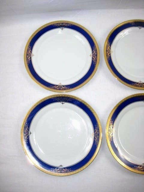 Royal Scotland Porcelain Plates White Blue Gold 10.75 in