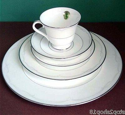 presage 5 piece place setting platinum trim
