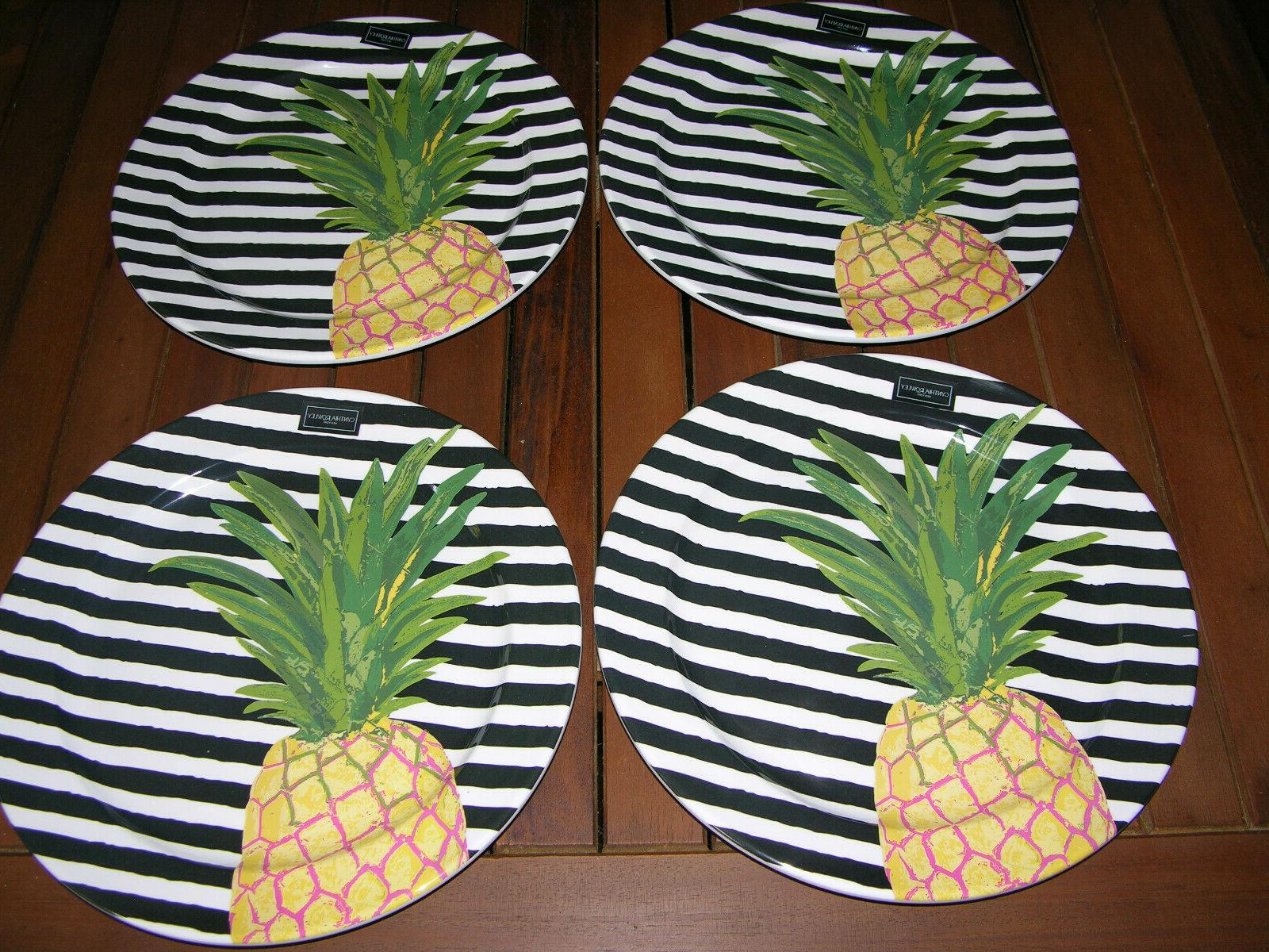 set of 4 pineapple on black