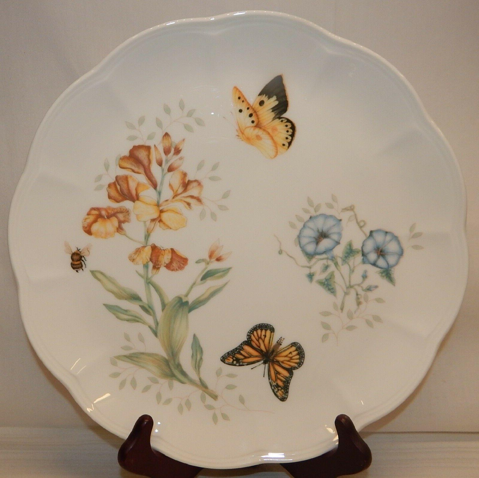 Set of BUTTERFLY MEADOW Dinner Plates, EUC